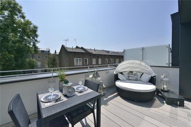 Asking Price £1,840,000, 3 Bedroom Terraced House For Sale in London, N1
