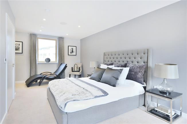 Asking Price £1,860,000, 3 Bedroom Terraced House For Sale in London, N1