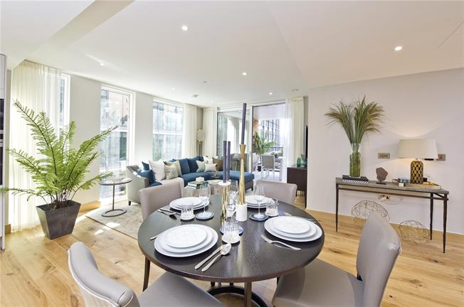 Asking Price £1,325,000, 2 Bedroom Flat For Sale in London, W2