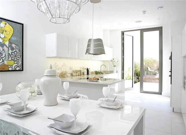 Asking Price £2,100,000, 3 Bedroom Terraced House For Sale in London, W10