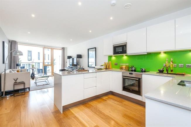 Asking Price £885,000, 2 Bedroom Flat For Sale in London, N1