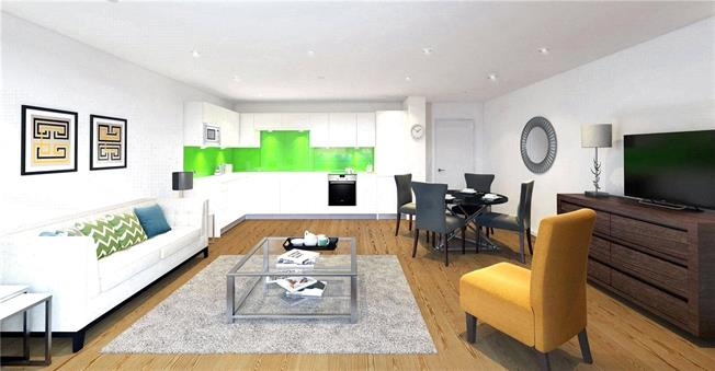 Asking Price £880,000, 2 Bedroom Flat For Sale in London, N1