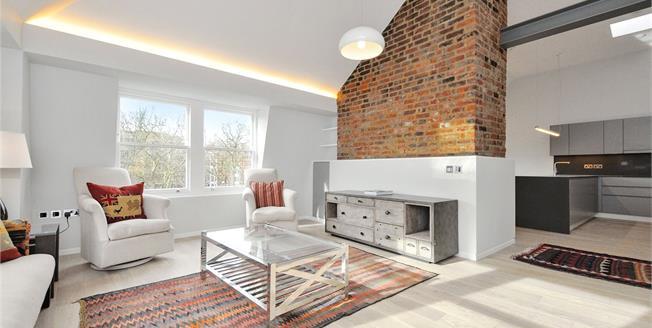 Asking Price £3,345,000, 3 Bedroom Flat For Sale in London, EC1M