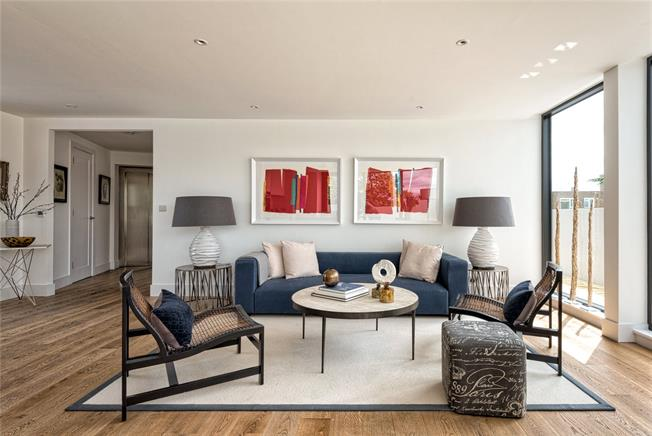 Asking Price £950,000, 2 Bedroom Flat For Sale in Putney, London, SW15