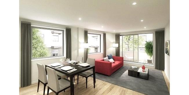 Asking Price £660,000, 2 Bedroom Flat For Sale in London, E1