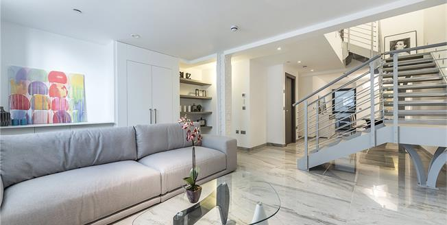 Asking Price £1,475,000, 2 Bedroom Flat For Sale in London, SW1P