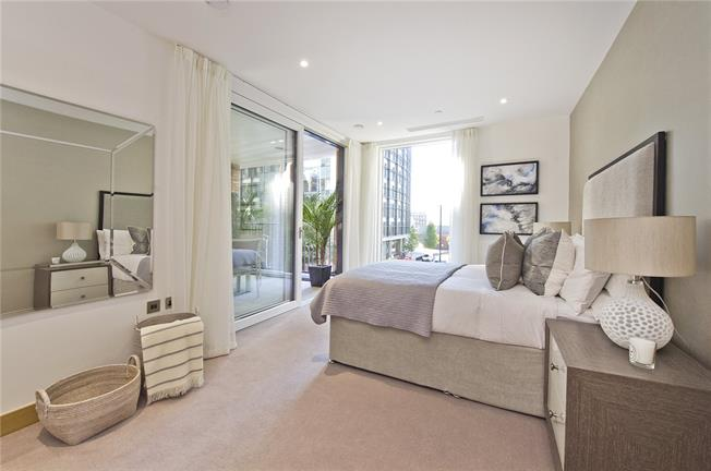 Asking Price £2,070,000, 3 Bedroom Flat For Sale in London, W2