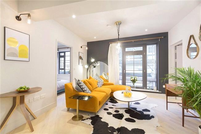 Asking Price £295,000, 1 Bedroom Flat For Sale in Brentford, TW8