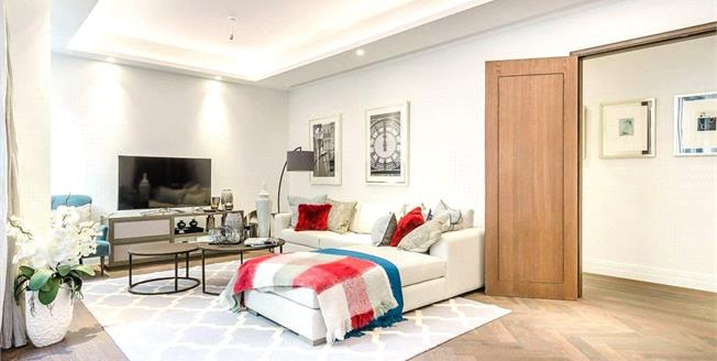 Asking Price £2,025,000, 3 Bedroom Flat For Sale in London, SW1P