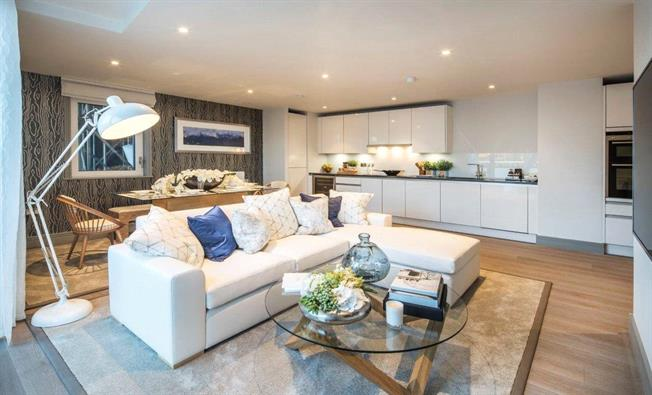 Asking Price £555,000, 1 Bedroom Flat For Sale in London, SW11