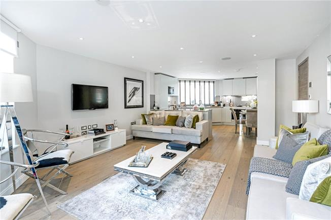 Asking Price £1,995,000, 3 Bedroom Flat For Sale in London, SW1P