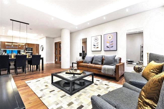Asking Price £1,795,000, 3 Bedroom Flat For Sale in London, N10