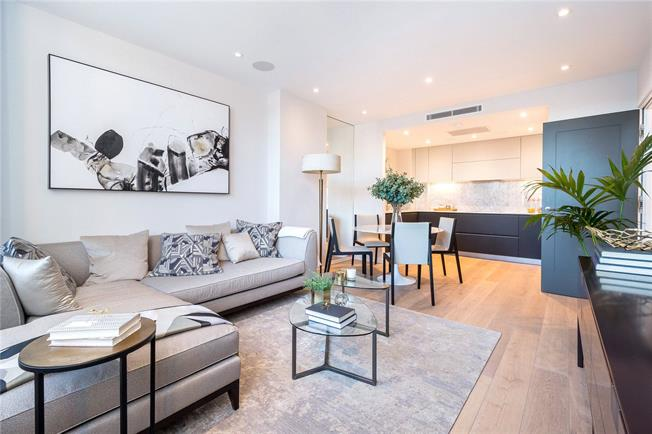 Asking Price £800,000, 2 Bedroom Flat For Sale in London, NW5