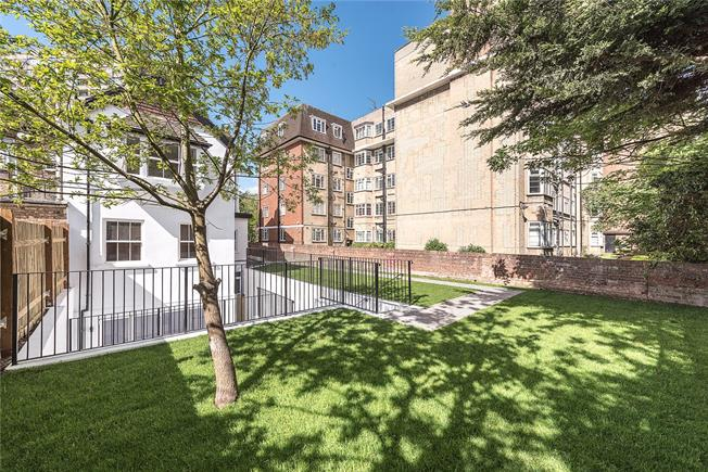 Asking Price £600,000, 2 Bedroom Flat For Sale in London, NW2