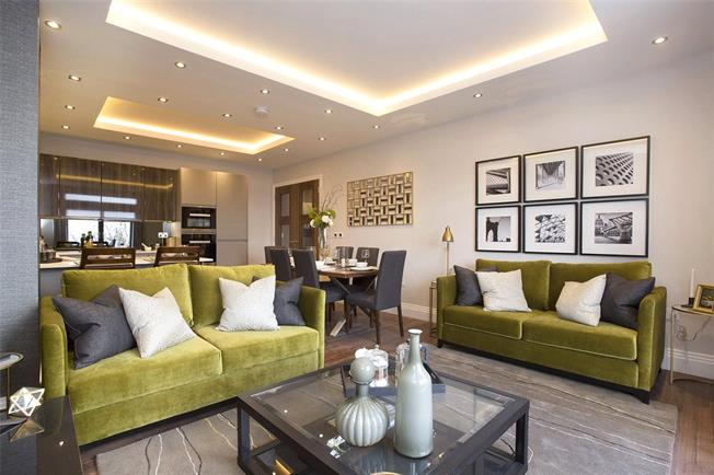 Asking Price £900,000, 2 Bedroom Flat For Sale in London, N10