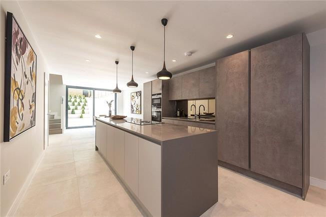 Asking Price £2,399,000, 4 Bedroom End of Terrace House For Sale in 35 Eastern Road, London, N2