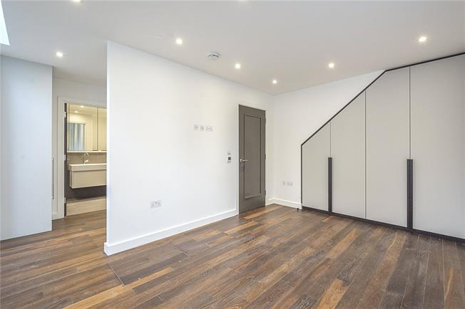 Asking Price £600,000, 1 Bedroom Flat For Sale in London, W2