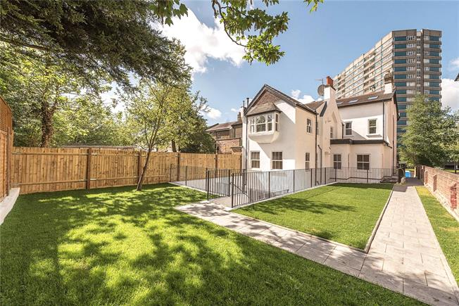 Asking Price £545,000, 2 Bedroom Flat For Sale in London, NW2