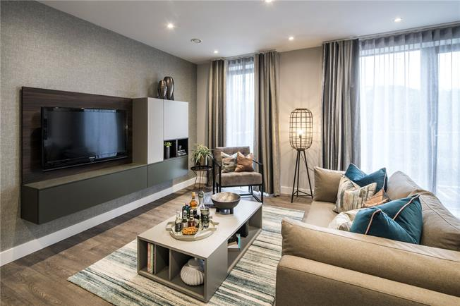 Asking Price £565,000, 2 Bedroom Flat For Sale in Blair Street, London, E14