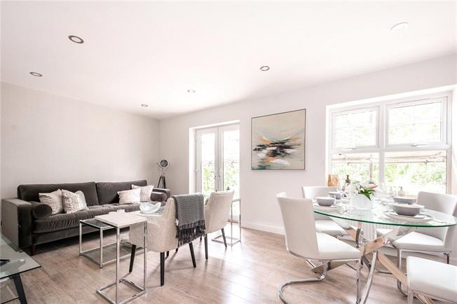 Asking Price £470,000, 2 Bedroom Flat For Sale in London, NW2