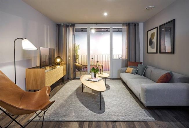 Asking Price £400,000, 1 Bedroom Flat For Sale in Moulding Lane, London, SE14