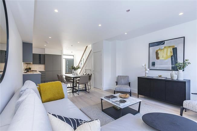 Guide Price £725,000, 3 Bedroom Terraced House For Sale in London, SE14