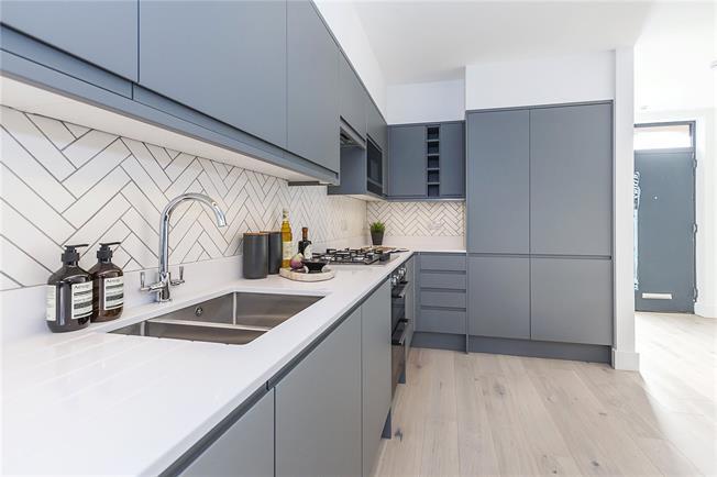 Guide Price £775,000, 4 Bedroom Terraced House For Sale in Avonley Road, SE14