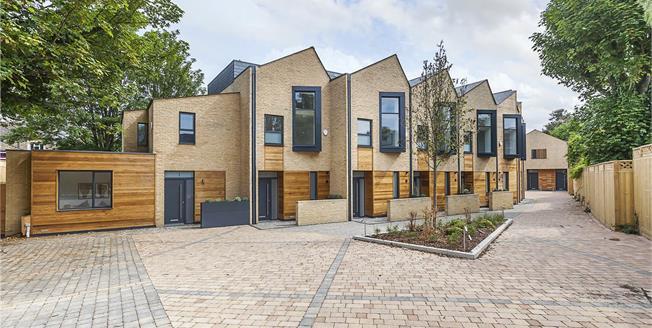 Guide Price £780,000, 4 Bedroom Terraced House For Sale in Avonley Road, SE14
