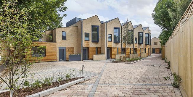 Guide Price £730,000, 3 Bedroom Terraced House For Sale in Avonley Road, SE14