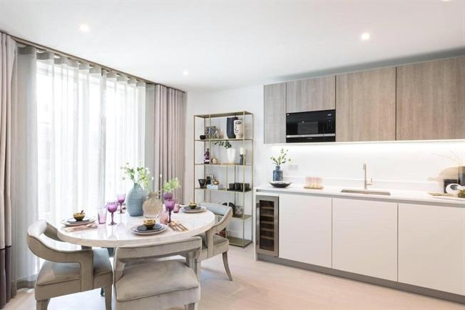 Asking Price £1,175,000, 1 Bedroom Flat For Sale in London, W14