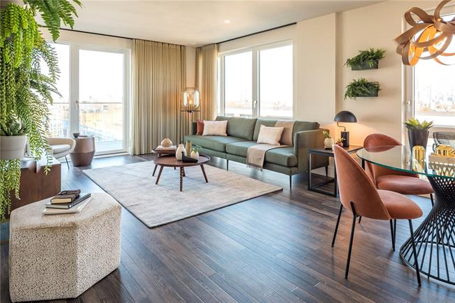 Asking Price £540,000, 2 Bedroom Flat For Sale in Moulding Lane, London, SE14