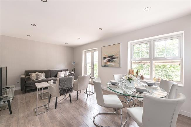 Asking Price £390,000, 2 Bedroom Flat For Sale in London, NW2