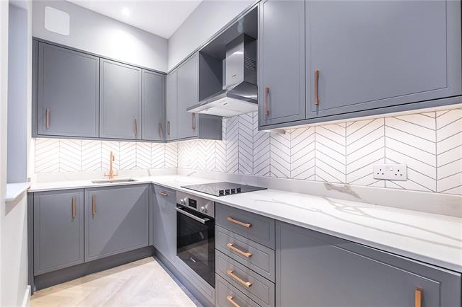 Asking Price £440,000, 1 Bedroom Flat For Sale in London, SW19