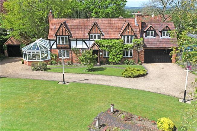 Guide Price £1,195,000, 4 Bedroom Detached House For Sale in Maidenhead, Berkshire, SL6
