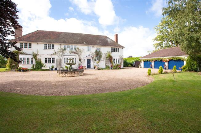 Guide Price £1,895,000, 5 Bedroom Detached House For Sale in Buckinghamshire, SL1