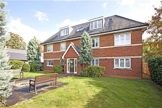 Guide Price £420,000, 2 Bedroom Flat For Sale in Maidenhead, SL6