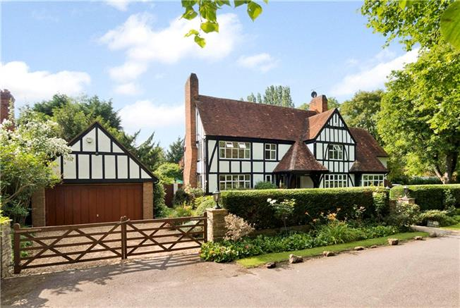 Guide Price £1,750,000, 5 Bedroom Detached House For Sale in Bray, SL6