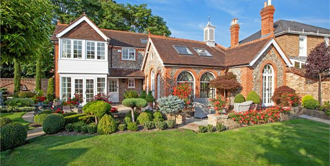 Guide Price £2,450,000, 4 Bedroom Detached House For Sale in Maidenhead, Berkshire, SL6