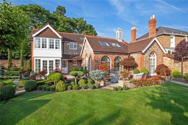 Guide Price £2,450,000, 4 Bedroom Detached House For Sale in Bray, SL6