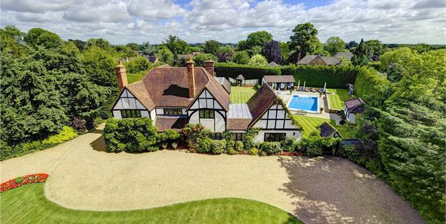 Guide Price £2,250,000, 5 Bedroom Detached House For Sale in Berkshire, SL6