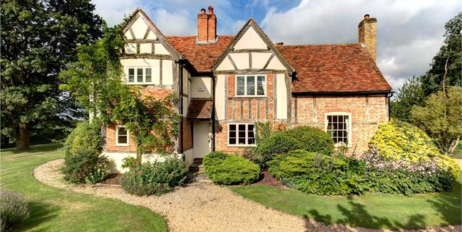 Guide Price £1,725,000, 4 Bedroom Detached House For Sale in Maidenhead, Berkshire, SL6