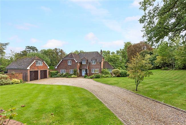 Guide Price £1,595,000, 5 Bedroom Detached House For Sale in Maidenhead, Berkshire, SL6