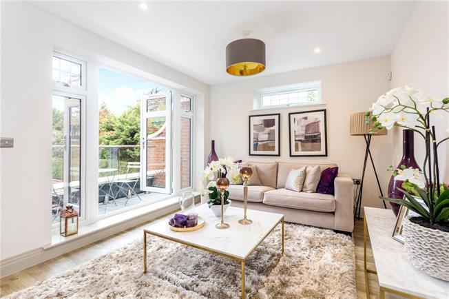 Asking Price £499,950, 2 Bedroom Flat For Sale in Maidenhead, Berkshire, SL6