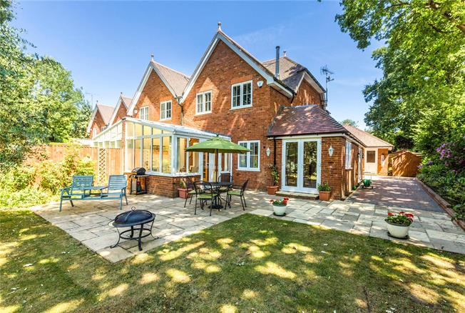 Guide Price £685,000, 4 Bedroom Semi Detached House For Sale in Maidenhead, SL6