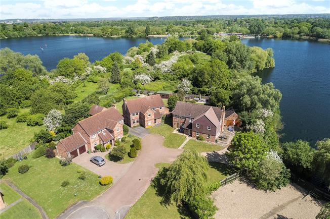 Guide Price £995,000, 6 Bedroom Detached House For Sale in Berkshire, SL6
