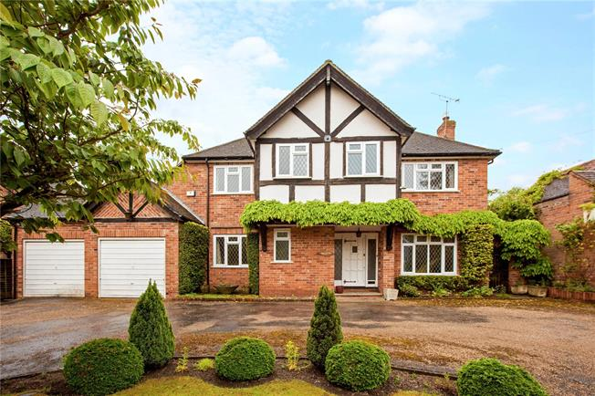 Guide Price £950,000, 4 Bedroom Detached House For Sale in Bray, SL6