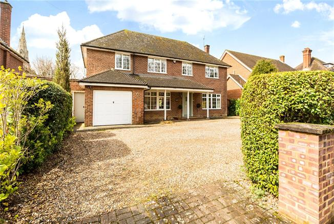 Guide Price £985,000, 4 Bedroom Detached House For Sale in Berkshire, SL6