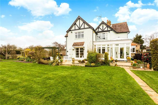 Guide Price £795,000, 4 Bedroom Semi Detached House For Sale in Maidenhead, SL6