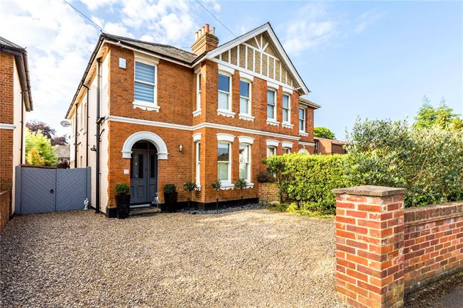 Asking Price £795,000, 4 Bedroom Semi Detached House For Sale in Berkshire, SL6