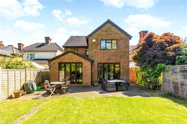 Asking Price £799,950, 4 Bedroom Detached House For Sale in Maidenhead, SL6